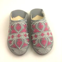Moroccan babouche slippers (size 8.5 or 9)