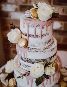 big wedding cakes The 50 Most Beautiful Wedding Cakes, wedding cake ideas, amazing wedding cake Big Wedding Cakes, Beautiful Wedding Cakes, Wedding Cake Designs, Wedding Cupcakes, Beautiful Cakes, Vegan Wedding Cakes, Savoury Cake, Cookies Et Biscuits, Boho Wedding