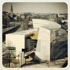 Steven Holl - KIASMA #kiasma #museum #helsinki #contemporary #art Steven Holl Architecture, Architecture Drawings, Architecture Design, Museum Of Modern Art, Art Museum, Structural Expressionism, Late Modernism, Scandinavian Architecture, Deconstructivism