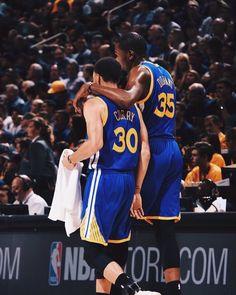 Stephen Curry Basketball, Nba Stephen Curry, Warriors Basketball Team, Basketball Players, Women's Basketball, Nba Pictures, Basketball Pictures, Basketball Quotes, Golden State Warriors