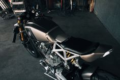 Vintage Yamaha Custom Build: Fenrir by JTec Moto