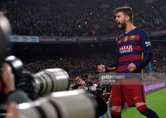 Barcelona's defender Gerard Pique shouts after scoring a goal during the Spanish Copa del Rey (King's Cup) quarter-finals second leg football match FC Barcelona vs Athletic Club de Bilbao at Camp Nou stadium in Barcelona on January 27, 2016. AFP PHOTO / LLUIS GENE / AFP / LLUIS GENE