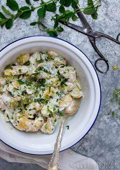 Tzatziki aardappelsalade Other Recipes, Side Dish Recipes, Side Dishes, Food N, Good Food, Food And Drink, Tzatziki, Mayonnaise, Crockpot Recipes