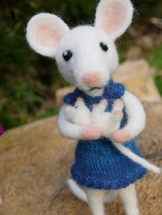 needle felted animal felt mouse family felted by Artywool on Etsy