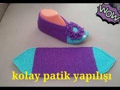 How to Make Christmas Slippers - Design Peak - Her Crochet Knitted Flower Pattern, Knit Slippers Free Pattern, Knit Headband Pattern, Knitted Slippers, Crochet Slippers, Loom Knitting, Knitting Socks, Baby Knitting, Crochet Baby