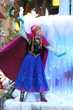 Anna...... @Jessica Hayward do you want to build a snowman? :)