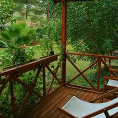 Bungalovun balkonundan bahçe manzarası. Doğa tatili yapmak icin harika zamanlar.  @kibalahotelcirali  0532-6161263 ✨ www.kucukoteller.com.tr/kibala-otel?utm_content=buffer7ac5f&utm_medium=social&utm_source=pinterest.com&utm_campaign=buffer ☘️ Evcil hayvan dostu, çocuklar için ideal bir otel. #Çıralı #Olimpos #dogatatili