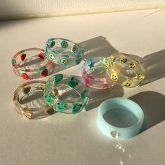 Stylish Jewelry, Cute Jewelry, Jewelry Crafts, Jewelry Accessories, Diy Clay Rings, Resin Ring, Hand Jewelry, Jewlery, Accesorios Casual