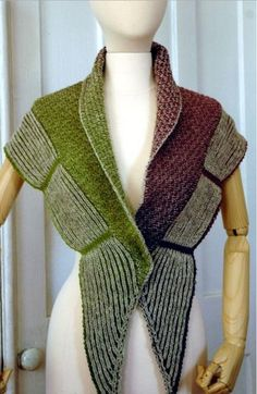 Knitting Patterns For Capes And Shawls : 1000+ images about Ponchos, Capes, + Knit Shawl Pattern Ideas on Pinterest ...