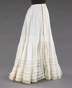 Petticoat Date: Culture: American Medium: linen 1900s Fashion, Edwardian Fashion, Vintage Fashion, Lingerie Vintage, Vintage Underwear, Buy Lingerie, Historical Costume, Historical Clothing, Historical Dress