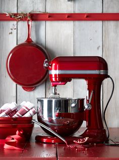 For the baker, this is the ultimate kitchen helper. Great for cake batters, cookie dough and whipping cream. Helpful for weekend projects such as homemade ice cream, fresh pasta and bread. We especially love it in red - festive for the holidays and a cheery pop of color all year round.