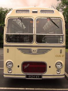 Vintage buses rock! by capstick13