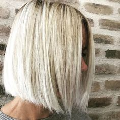 """It can not be repeated enough, bob is one of the most versatile looks ever. We wear with style the French """"bob"""", a classic that gives your appearance a little je-ne-sais-quoi. Here is """"bob"""" Despite its unpretentious… Continue Reading → Bob Hairstyles For Fine Hair, Medium Bob Hairstyles, Hairstyles Haircuts, Drawing Hairstyles, Fringe Hairstyles, Fancy Hairstyles, Asymmetrical Bob Haircuts, Short Bob Haircuts, Bobs For Thin Hair"""