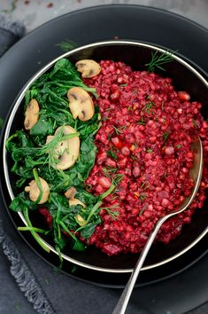 Beetroot & buckwheat risotto #vegan #glutenfree #dairyfree #vegandinner #veganuary #meetfreemonday #comfortfood via @fit.foodie.nutter