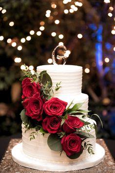 2 Tier Wedding Cakes, Wedding Cake Red, Red Rose Wedding, Beautiful Wedding Cakes, Wedding Cake Designs, Beautiful Cakes, Gothic Wedding, Wedding Cakes With Roses, Rustic Wedding