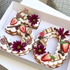 Baker Adi Klinghofer makes breathtaking cakes in the form of numbers and letters .- Adi Klinghofer macht atemberaubende Kuchen in Zahlen- und Buchstabenform… Baker Adi Klinghofer makes breathtaking cakes in numbers and letters, sometimes … – # Number Birthday Cakes, New Birthday Cake, Number Cakes, 50th Birthday, Birthday Desserts, Birthday Ideas, Food Cakes, Cupcake Cakes, Alphabet Cake