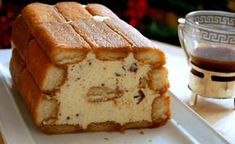 Iced tiramisu cake Ingredients: of boudoirs a large cup . Italian Pastries, Italian Desserts, Cafe Moka, Dessert Drinks, Dessert Recipes, Wine Recipes, Food Network Recipes, Tiramisu Cake, Hungarian Recipes