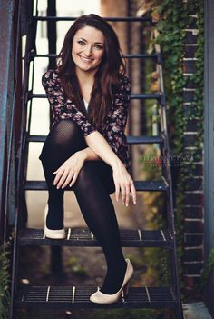 senior girl photo picture posing ideas #photography | Stephanie Pana Photography