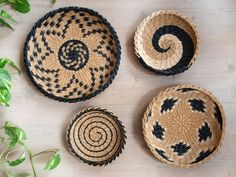 Set of 4 wall African baskets. This is set of 4 wall African baskets, wicker plates. Sizes: inches cm), 10 inches cm), 8 inches cm), 8 inches cm) in diameter. Baskets On Wall, Wicker Baskets, Wall Basket, Rope Basket, Bohemian Decor, Boho, White Wall Decor, Basket Decoration, Plates On Wall