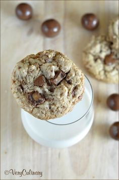 Malted Milk Ball Cookies from Very Culinary Holiday Snacks, Holiday Cookie Recipes, Holiday Cookies, Holiday Baking, Mini Peach Pies, Mini Lemon Tarts, Chocolate Malt, Mini Chocolate Chips, Malted Milk Balls Recipe