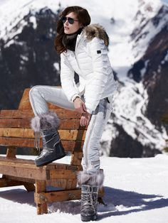kelly-dp white jacket with fur - ski parkas - women - Gorsuch Snow Fashion, Winter Fashion, Winter Outfits, Ski Outfits, Ski Wear, Moon Boots, Winter Gear, Ski And Snowboard, Winter Looks