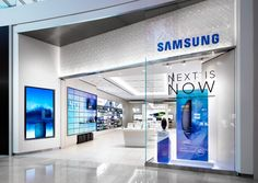 Samsung Experience Boutique Store in India - Custom Mobile Cell Phone Shop Interior Design Showroom Design, Shop Interior Design, Boutique Interior, Retail Store Design, Retail Shop, Boutique Telephone, Wrapping Ideas, Visual Merchandising, Handy Shop