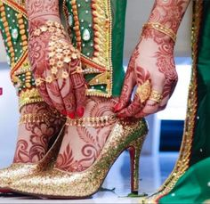 #beautiful #bridal #wedding #mehndi #desing #indianbridal #wedding #pakistanibridal #worldbridal #colorfull #red #heenadesing #styliah #dubaimehndi #style Pakistani Wedding Outfits, Pakistani Bridal, Bridal Sandals, Bridal Shoes, Girly Dp, Henna Party, Beautiful Mehndi Design, Afghan Dresses, Stylish Sandals