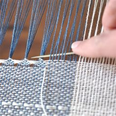 Loulou le routard Now . 2019 Loulou le routard Now . The post Loulou le routard Now . 2019 appeared first on Weaving ideas. Inkle Weaving, Inkle Loom, Weaving Art, Tapestry Weaving, Weaving Designs, Weaving Projects, Weaving Patterns, Creative Textiles, Swedish Weaving