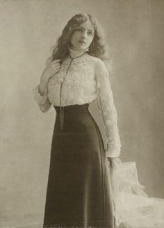 L'ancienne cour -1910s -
