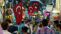 İstanbul'a gelen turist sayısında sert düşüş - İstanbul'u Nisan ayında ziyaret eden yabancı ziyaretçi sayısı geçen yılın aynı ayına göre yüzde 31,1 düşüş gösterdi.
