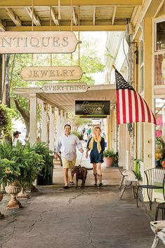 The South's Prettiest Towns 2018 | The South is full of small towns, packed with charm and nestled in enchanting scenery. There's not just one thing that makes the South so beautiful. It's the breathtaking mountain vistas, beaches that belong in a screensaver, fields of wildflowers that stretch to the horizon, iconic desert landscapes in Texas, and marshes that look like a movie set. Whether you're a lake person or a beach person, prefer the mountains or wide-open plains, the South is full…