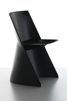 Teepee by Konstantin Grcic - Cassina Funky Furniture, Contemporary Furniture, Furniture Design, Luxury Furniture, Bedroom Furniture, Cafetiere Design, Chaise Chair, Chair Cushions, Armchair