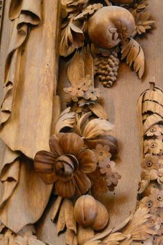 David Esterly - Wood reproduction carvings at Hampton Court Palace