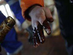 BOLETIM DE FECHAMENTO: Investidores descolam do cenário externo com Petrobras e política no radar - http://po.st/XxzSad  #Destaques -