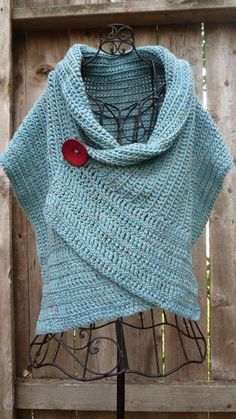 Pattern for buttoned crocheted wrap by redbootyarnworks on Etsy - looks similar to a poncho, with the button! Mode Crochet, Knit Or Crochet, Learn To Crochet, Crochet Scarves, Crochet Shawl, Crochet Crafts, Crochet Clothes, Beginner Crochet, Crochet Sweaters
