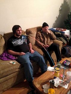You Will Get Shocked After Watching These Images Of Worlds Laziest People