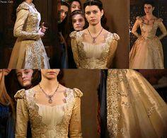 muhtesem yuzyil kosem, magnificent century kosem, kosem sultan, gold dress