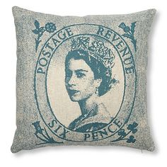 Coussin the Queen
