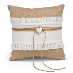Rustic Romance Ring Bearer Pillow | #exclusivelyweddings | #burlap
