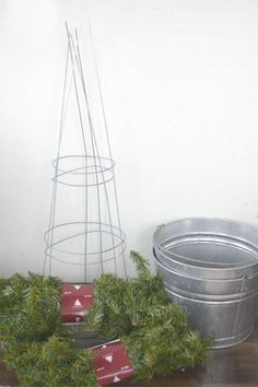 Materials-to-create-Christmas-topiary. Making a topiary from tomato garden cages was a low cost and simple solution. Getting the beauty of a Christmas topiary without the high cost. Christmas Tree Topiary, Christmas Tree Branches, Small Christmas Trees, All Things Christmas, Christmas Holidays, Christmas Decorations, Gold Christmas, Handmade Christmas, Christmas Projects