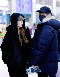 Irene and Taehyung Music Awards 2014, Seoul Music Awards, In A Heartbeat, Irene, Otp, Canada Goose Jackets, Taehyung, Korea, Winter Jackets