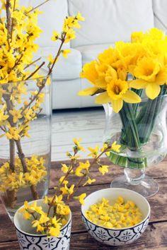 KUKKALA: Pääsiäisen keltaista Greenery, Special Occasion, Easter, Table Decorations, Garden, Interior, Floral, Flowers, Plants