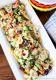 Broccoli Pasta Salad: Get a healthy dose of veggies with this broccoli-filled dish. Easy Pasta Salad Recipe, Pasta Recipes, Cooking Recipes, Bow Pasta Salad, Bow Tie Pasta, Broccoli Pasta Salads, Fresh Broccoli, Spinach Pasta, Vegetarian Recipes
