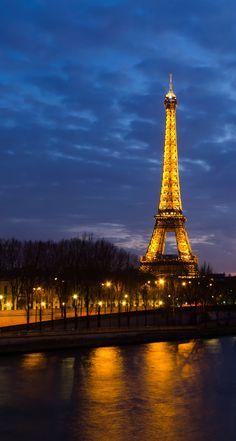 Sunset over Seine, Paris, France