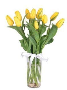 Sarı Lale Vazosu çiçekhttp://www.cicekvitrini.com/cicekler/atasehir-cicek-siparisi