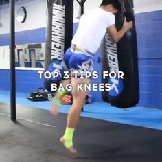 Muay Thai Techniques, Fight Techniques, Martial Arts Techniques, Boxing Training Workout, Gym Workout Tips, Workout Videos, Mixed Martial Arts Training, Martial Arts Workout, Self Defense Moves