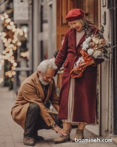 ⠀ 🅞CL🅓 Presents: ⚈ Forever love! ⚈ selected by: for a chance to get featured, use our tags ⠀⠀⠀ ⚈ . Cute Old Couples, Older Couples, Couples In Love, Old Couple In Love, Old Love, Love Is Sweet, Cute Love, Grow Old With Me, Growing Old Together