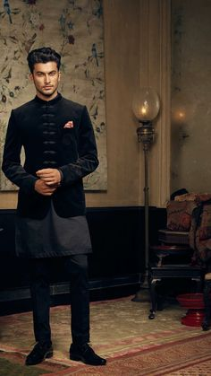 Wedding Kurta For Men, Wedding Dresses Men Indian, Formal Dresses For Men, Wedding Dress Men, Wedding Men, Desi Wedding, Mens Indian Wear, Indian Groom Wear, Indian Men Fashion