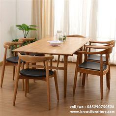 Kursi Cafe Scandinavian Jati Walnut merupakan kursi cafe yang menarik untuk segera anda miliki dikombinasikan dengan meja bergaya modern nan elegan.