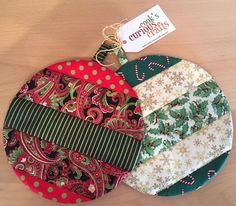 Christmas Tree Quilt, Quilted Christmas Ornaments, Christmas Crafts, Quilted Fabric Ornaments, Christmas Placemats, Boys Quilt Patterns, Potholder Patterns, Small Quilted Gifts, Small Quilt Projects